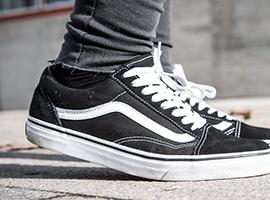 美国鞋服消费状况调查:耐克最火,Vans为中学女生最爱