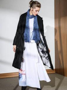 2018E问设计师范爆款羽绒服