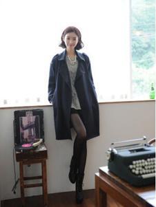 格皙女装黑色时尚大衣
