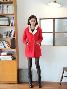 格皙女装红色休闲大衣
