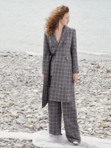 2018佧茜文女装格子大衣