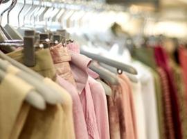 服装行业发展趋势分析 线上线下融合 个性化定制成趋势