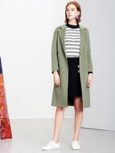 2018樊羽女装绿色开衫