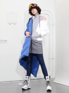2018betu百图女装蓝色羽绒服
