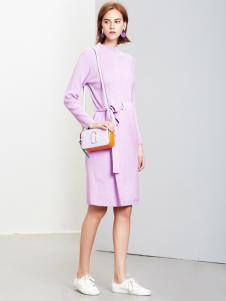 2018樊羽女装粉色连衣裙