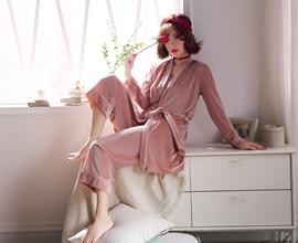 热烈祝贺中国服装网协助诗曼芬品牌内衣成功签约多位加盟商!