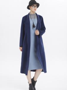 墨曲藏青色大衣