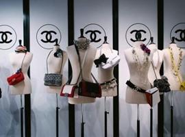 奢侈品消费回暖: 95后线上购买渗透率最高