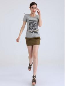 简索女装灰色印花修身T恤