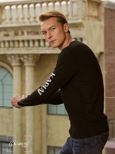 2018卡度尼男装黑色毛衣