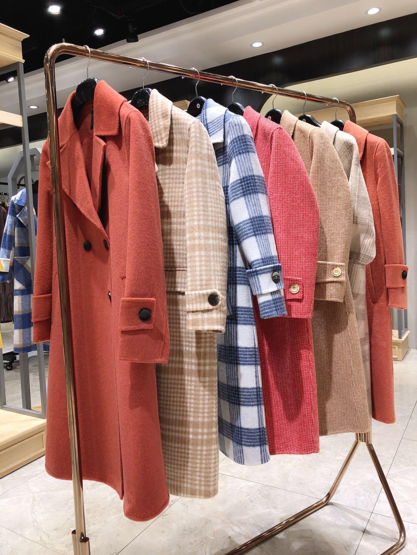 裳恩品牌女装厂家供应羊绒大衣