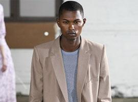 流行趋势:女装品牌推出男装,男装设计变得中性