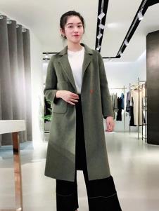 悠曼琦女装绿色休闲大衣