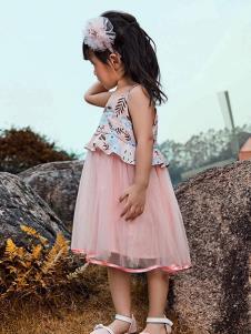 铅笔树童装粉色吊带连衣裙