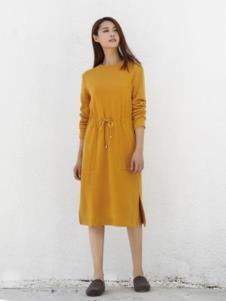 依偌汐春秋女装黄色开叉连衣裙