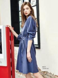 纳古女装蓝色系带连衣裙