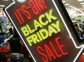 """""""黑色星期五""""美国线上增长24% 实体客流继续下滑"""