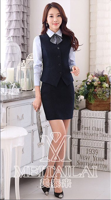 美泰来女士职业西服套装的定制搭配