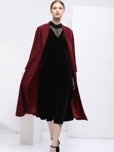 2018艺梦来女装酒红色大衣