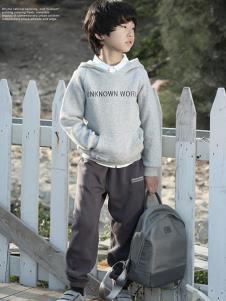 森虎儿童装灰色字母卫衣