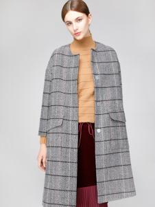 2018凡恩女装格纹大衣