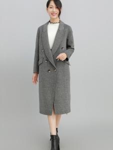 2018雨珊女装灰色大衣