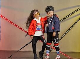 热烈祝贺中国服装网协助福建龙岩何老板成功签约西瓜王子童装