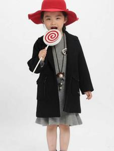 魔方童装黑色时尚大衣