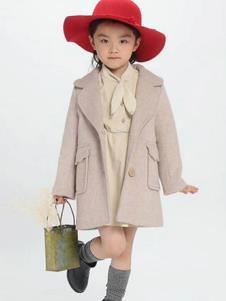 魔方童装米白色甜美大衣