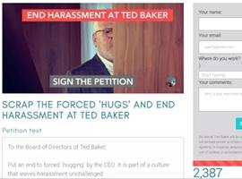 """时尚品牌Ted Baker员工请愿 抗议公司""""强制拥抱"""""""