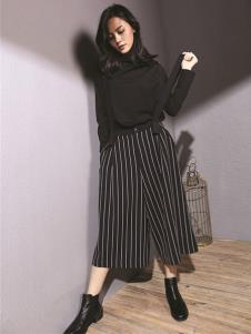 天开悟语女装黑色高领针织衫
