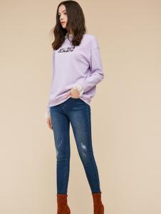 季候风紫色打底上衣