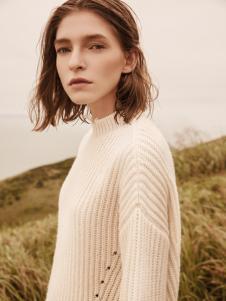 2018季候风女装白色毛衣