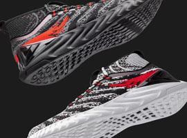 匹克发布颠覆型新材料跑鞋 用科技改变体育!