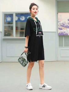 匠壹世家女装黑色时尚连衣裙
