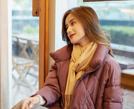热烈祝贺中国服装网协助山东翟老板成功签约红雨鸶女装