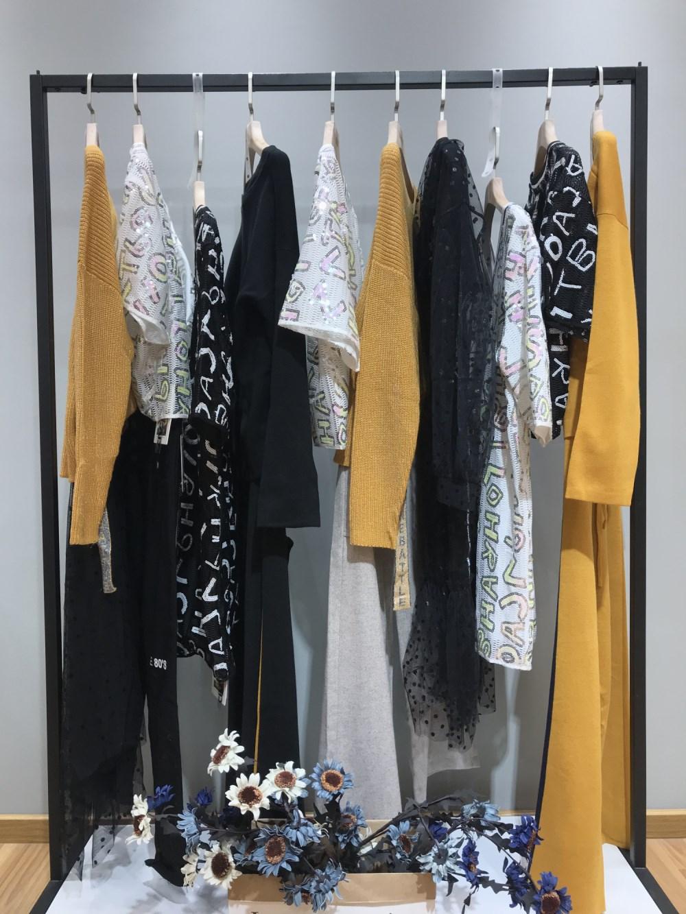 达拉达品牌19年春季新款女装一手货源批发走份