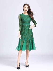 诺羽西女装绿色蕾丝修身连衣裙