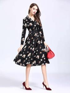诺羽西女装黑色印花连衣裙