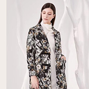 为何不来一件大衣展现你的优雅呢?