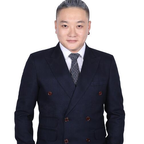 原创时尚潮流配饰品牌RC创始人徐小龙记