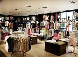 2018中国服装消费市场现状及趋势 人均年花费近4000元