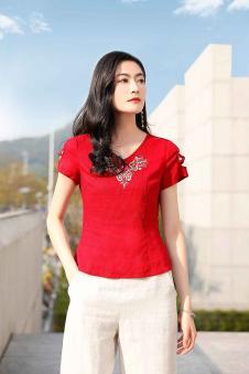忆花寻女装红色修身T恤