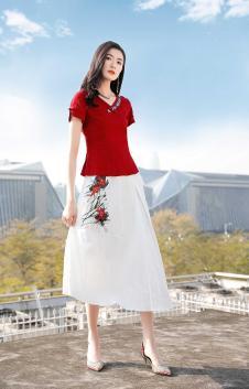 忆花寻女装白色刺绣半身裙