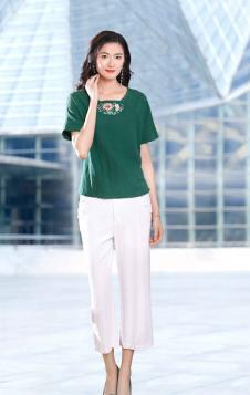 忆花寻女装绿色刺绣T恤