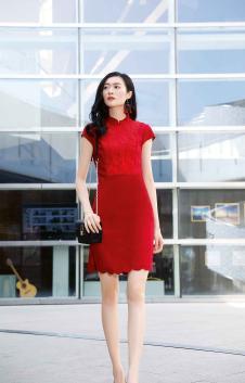 忆花寻女装红色时尚连衣裙