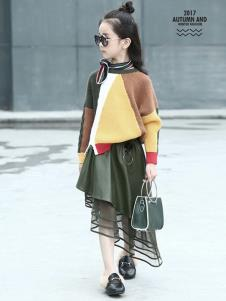 温琪可可童装拼接时尚毛衣
