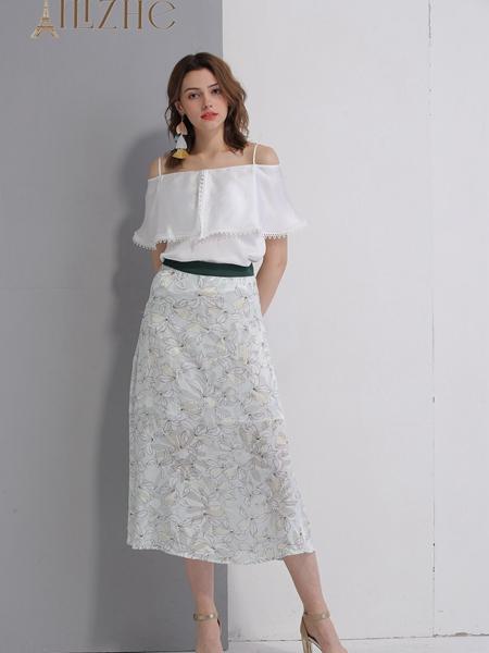 艾丽哲女装春夏新款一字肩连衣裙