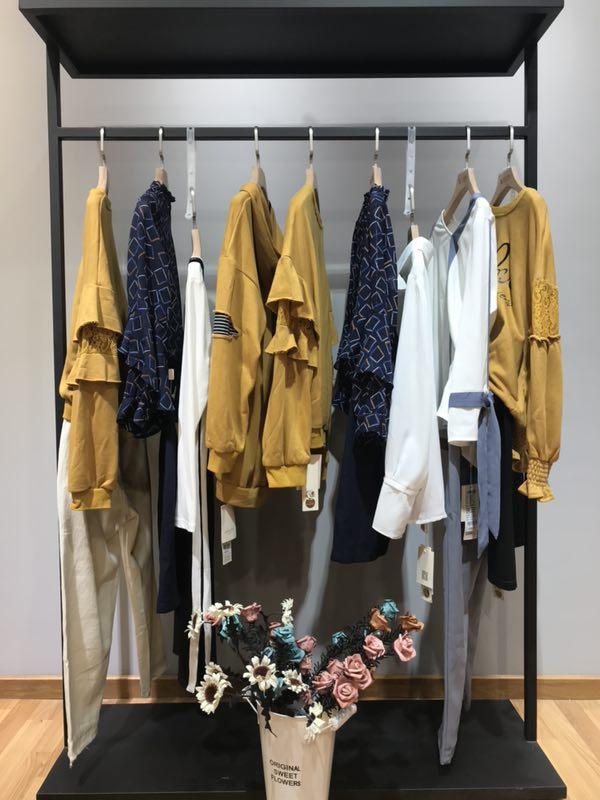 红雨鸶品牌女装一手货源走份批发