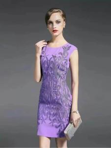 胤影女装紫色印花连衣裙